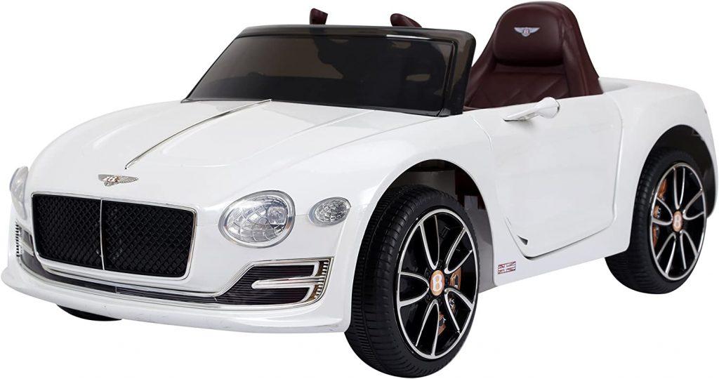 Cette voiture électrique enfant Bentley est de couleur blanche.