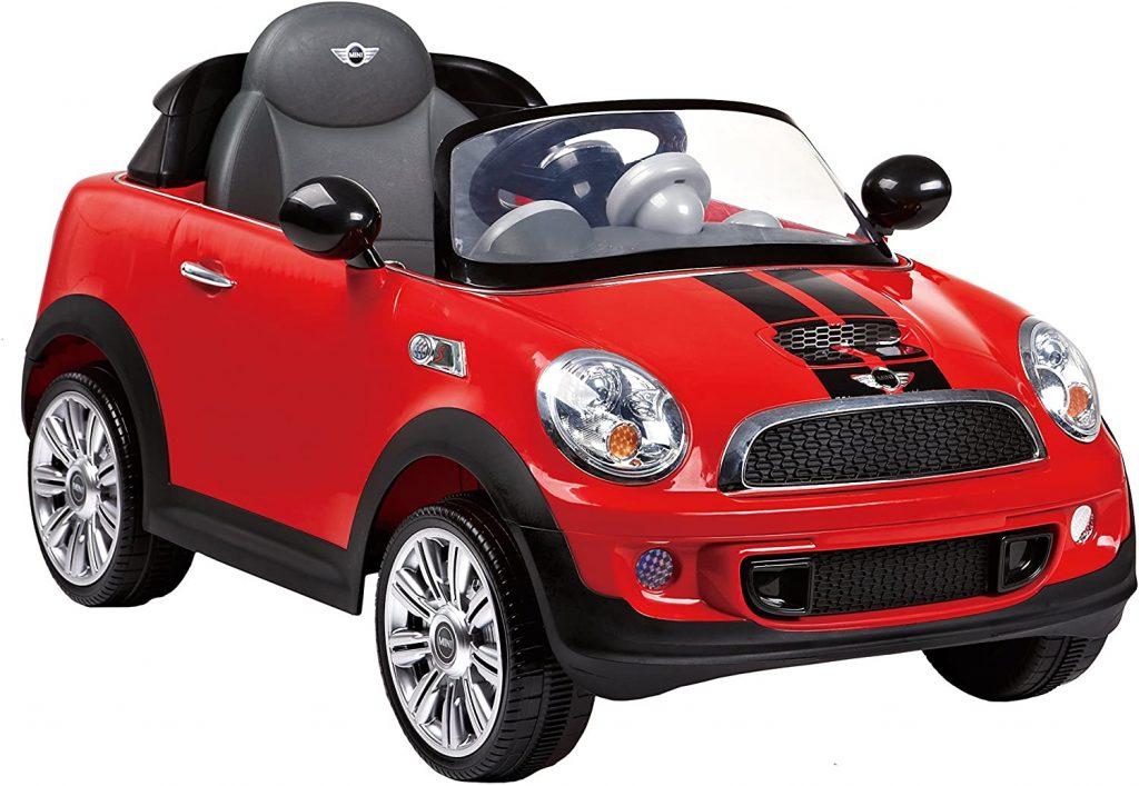 Cette voiture électrique enfant à l'apparence d'une Mini Cooper.